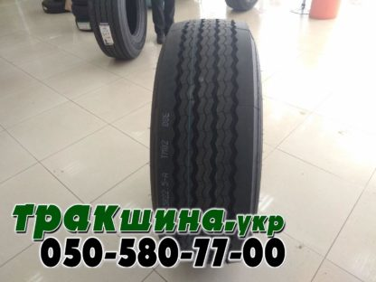 На фото показан протектор шины Aplus T706 385/65 R22.5